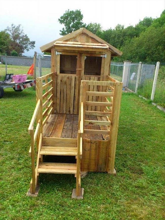 Pallet Playhouse Projects For Kids Wood Pallet Ideas