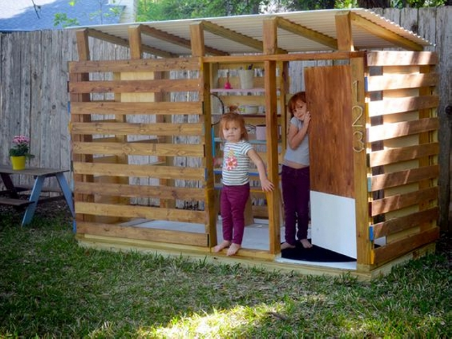Cute Pallet Playhouse