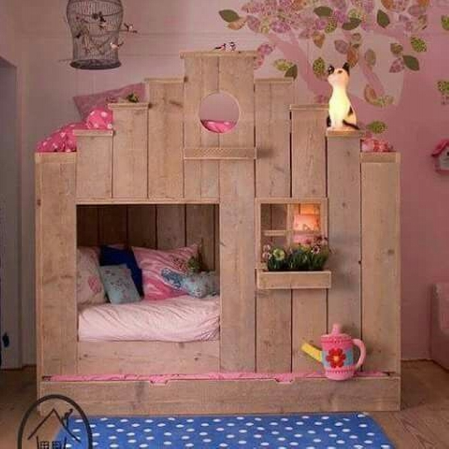 Indoor Playhouse for Kids from Pallets