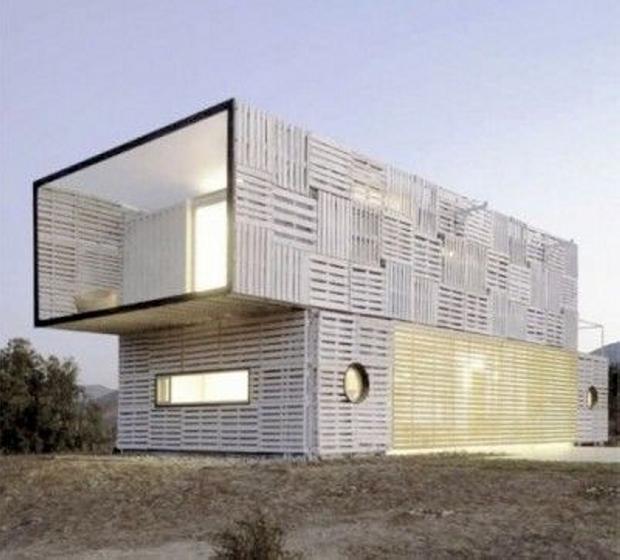 Modren Mega Pallet Shelter House