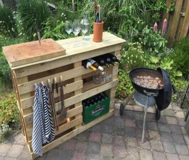 Pallet BBQ Side Table