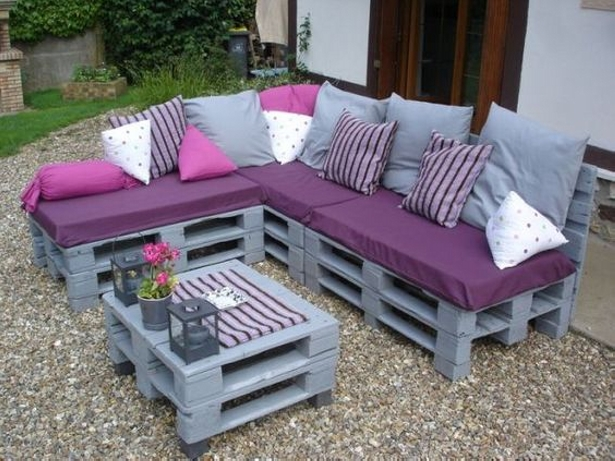 Pallet Made is Easy to Create Couch