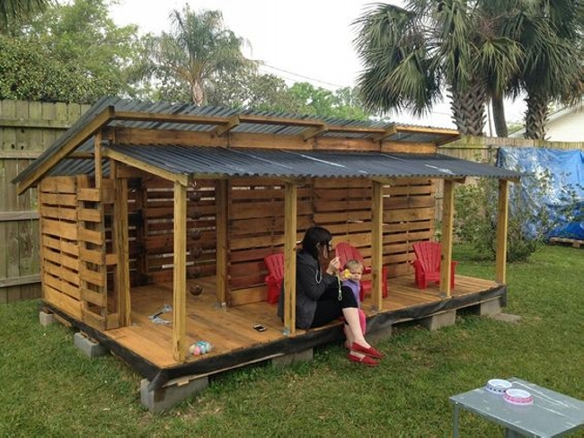 Pallet Playhouse Ideas