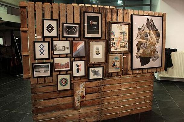 Pallet room divider ideas wood pallet ideas for Room divider art