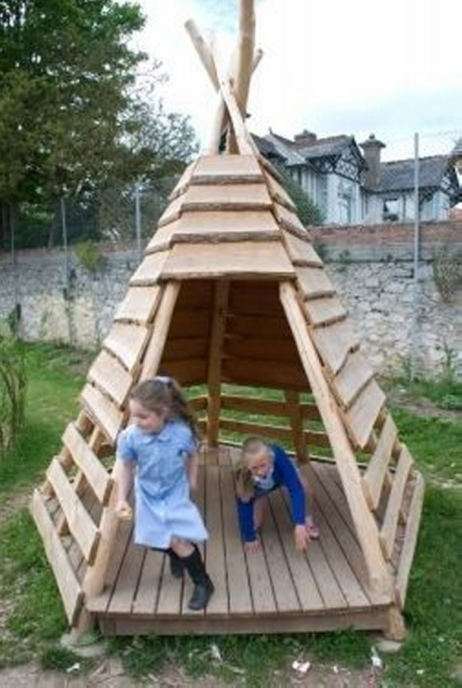 Pallet Teepee Kids Playhouse