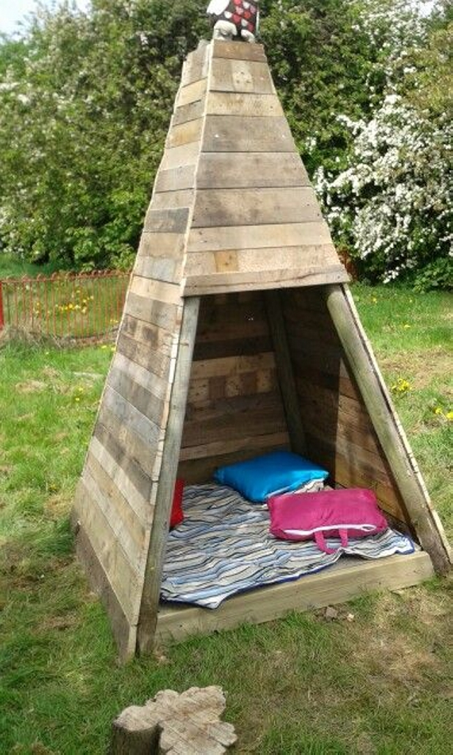 Pallet Teepee Playhouse