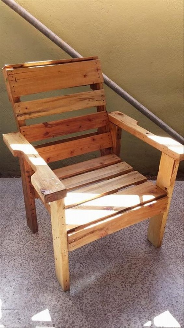 Recycled wood pallet chair ideas wood pallet ideas Chairs made out of wooden pallets