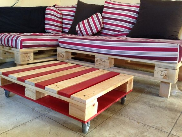 Reuse Pallets for Coffee Table