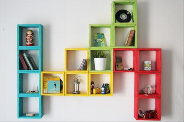cute shelf out of wooden pallet