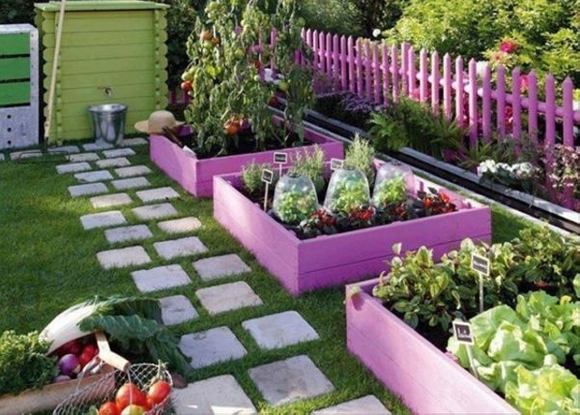 garden decor with pallets