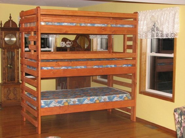 pallet bunk tripple bed