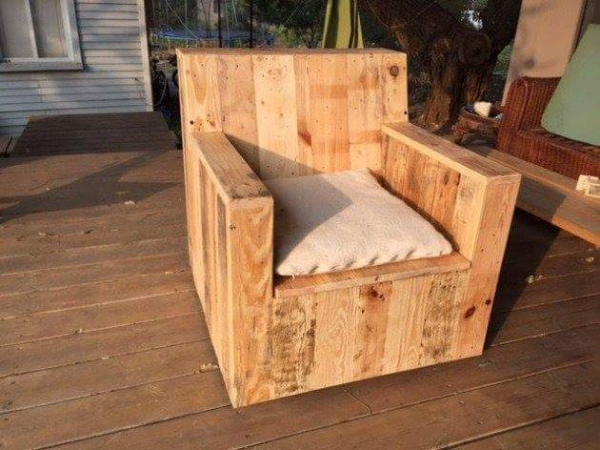 pallet couch chair