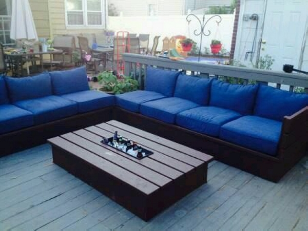 pallet couch with table