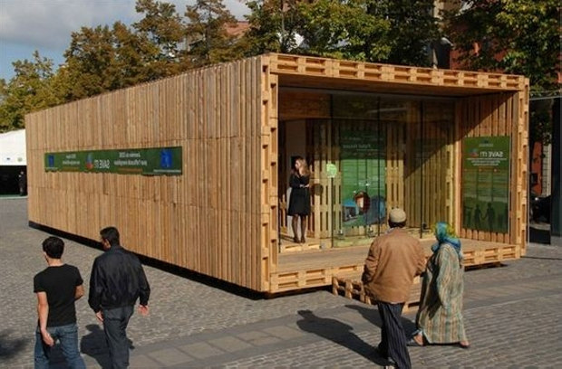 pallet created solution for homeless people