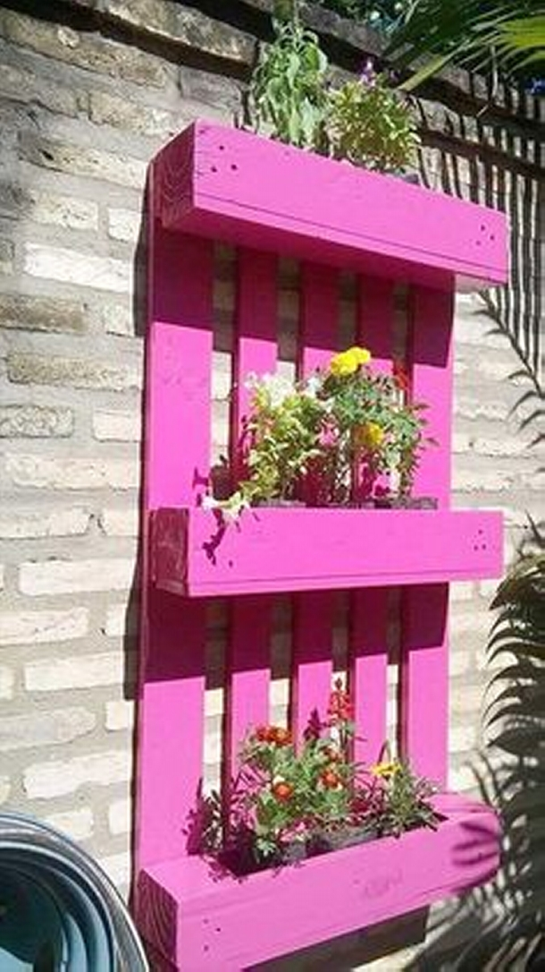 pallet painted wall planter