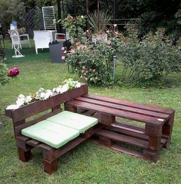 pallet patio bench with planter