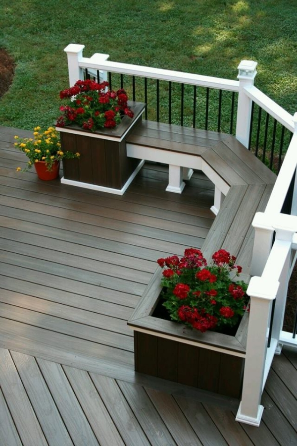pallet patio bench with planters