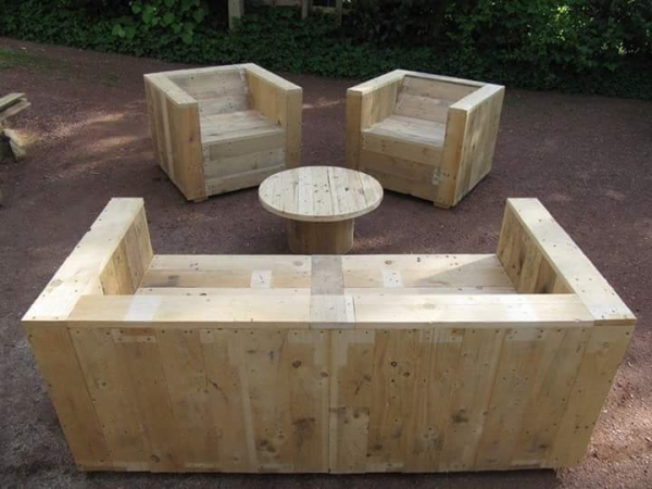 pallet patio seating idea