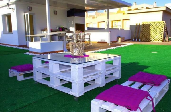pallet patio sitting idea