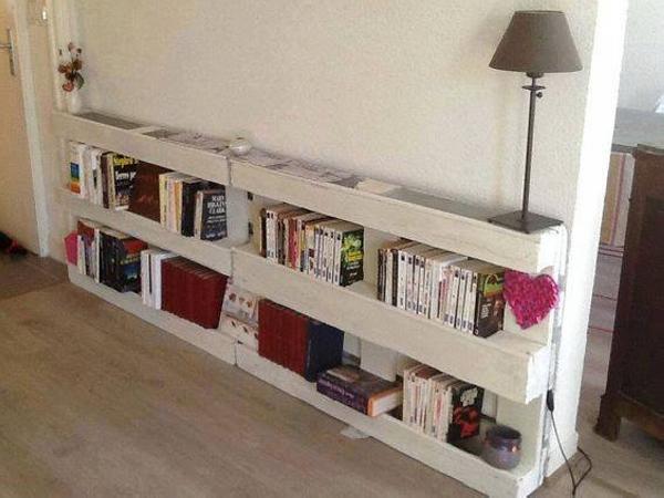 pallet side table cum bookshelf