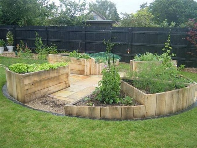 Pallet Wood Raised Garden