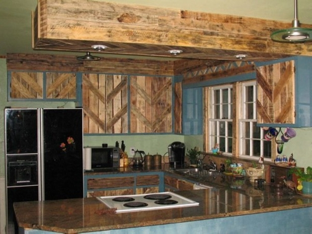 pallet wood works in kitchen
