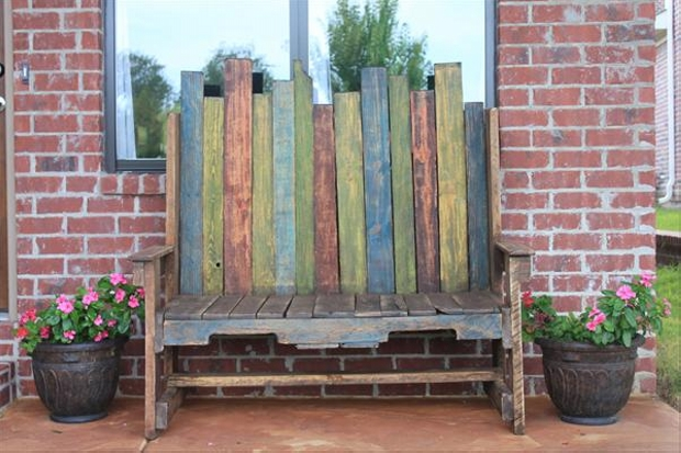patio bench with pallets