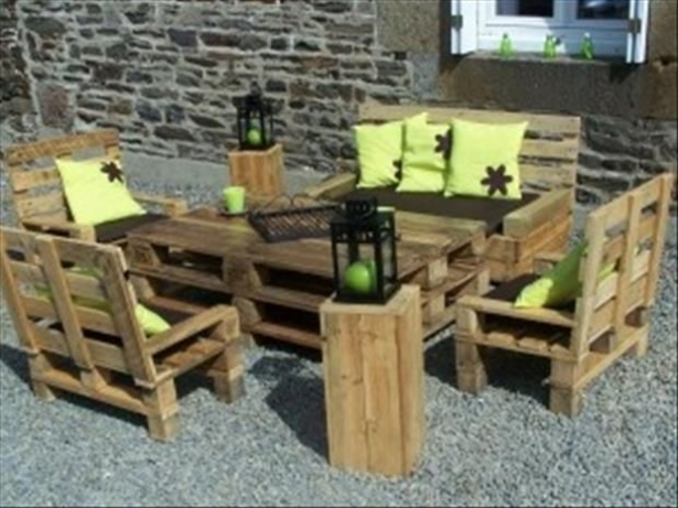 patio pallet furniture set