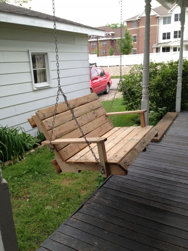 porch pallet swing idea