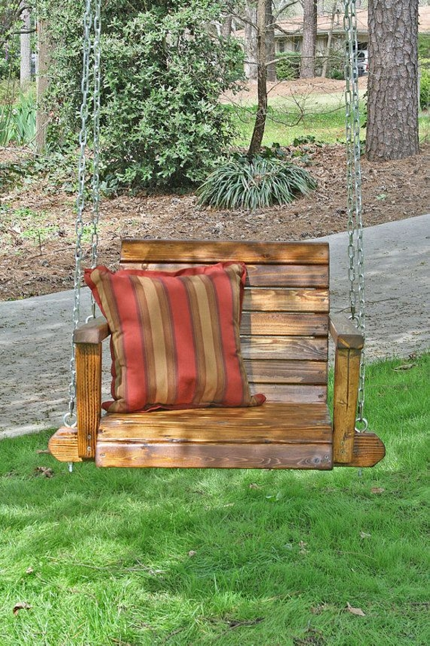 recycled wood pallet swing