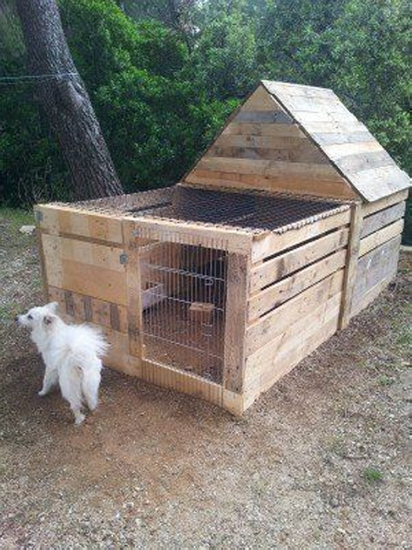 upcycled pallet dog house