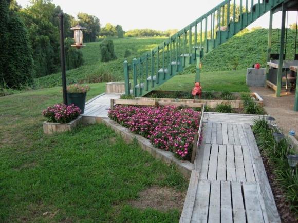 wood pallet pathway