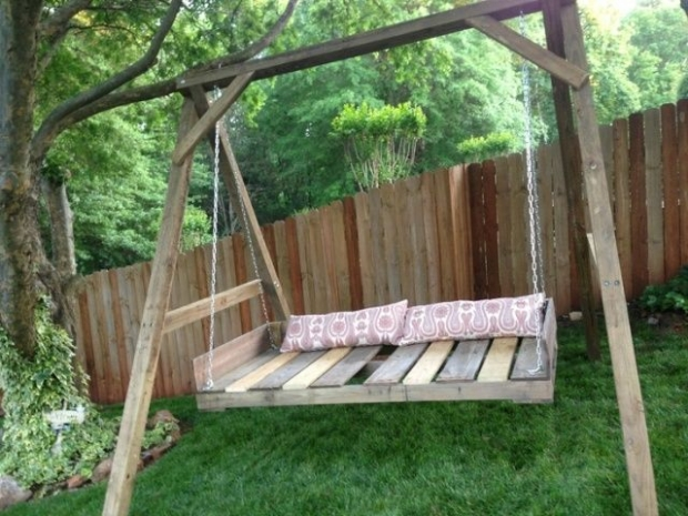 wood recycled pallet swing