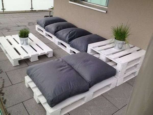 wooden pallet patio couch