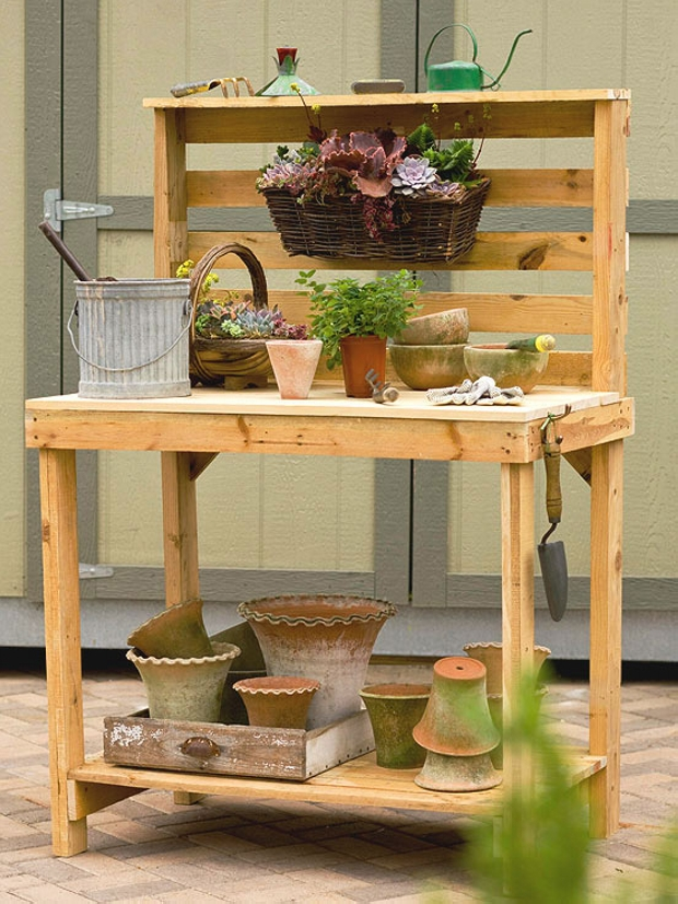 Garden Pallet Potting Table