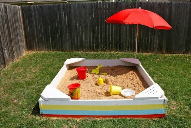 pallet sandbox for kids