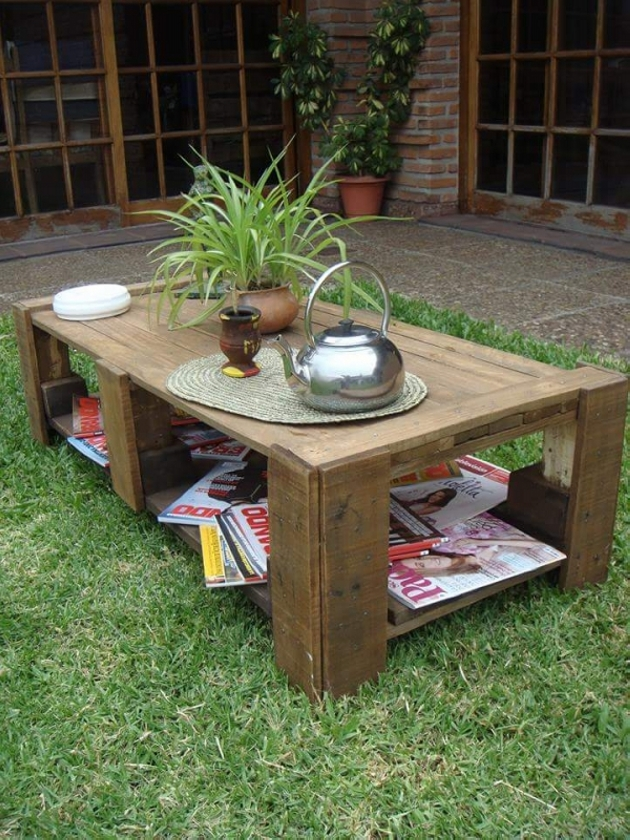 patio table with pallets wood