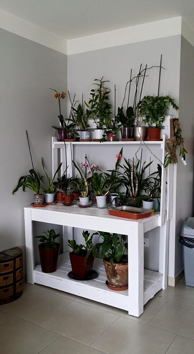 recycled pallet potting station