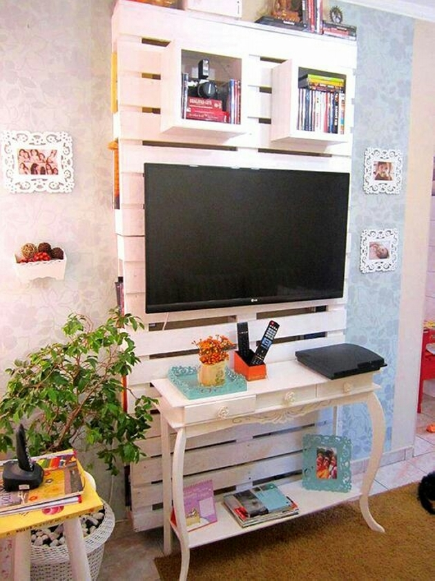 wooden pallet tv stand with shelves